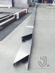 เจ-เมทัล-โซลูชั่น-รับขึ้นรูปเหล็กสแตนเลสจากโลหะแผ่น-10
